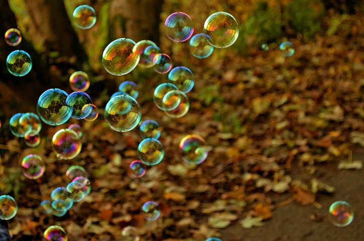 science of happiness course image bubbles