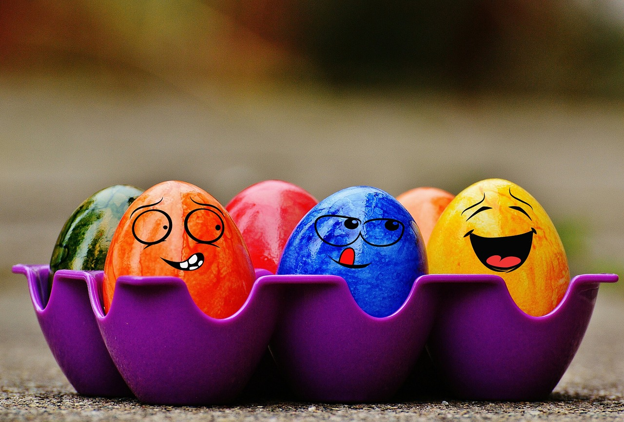 science of happiness course image happy eggs